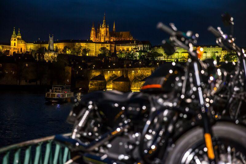 Aniversário Harley-Davison em Praga A cidade traz um dos mais antigos centros urbanos do mundo (Foto: Divulgação)