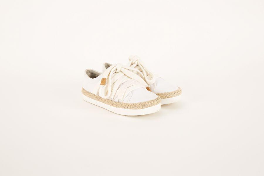 Esquece o Réveillon! Look todo branco é a nova tendência fashion Tênis Corda FYI 8X44.75  (Foto: Divulgação)