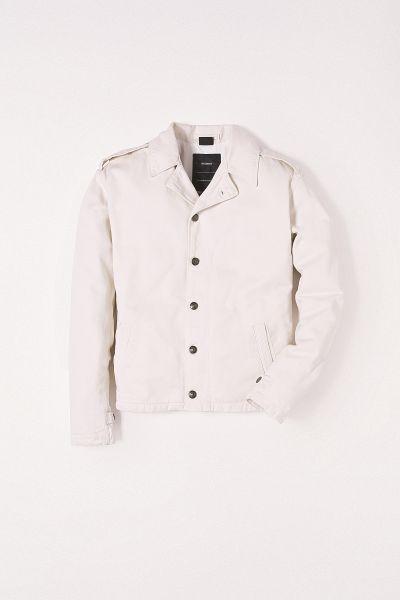 Esquece o Réveillon! Look todo branco é a nova tendência fashion Reserva R$999