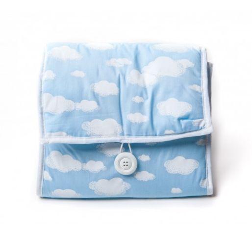 Criança à vista? Ane Kids indica 12 presentes para Chá de Bebê Trocador Portátil Nuvem Azul R$99,90