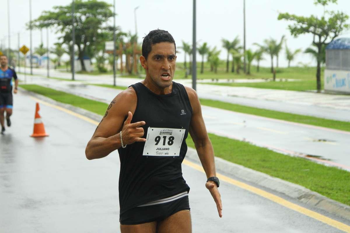 Tênis específicos para corrida são essenciais para o esporte.
