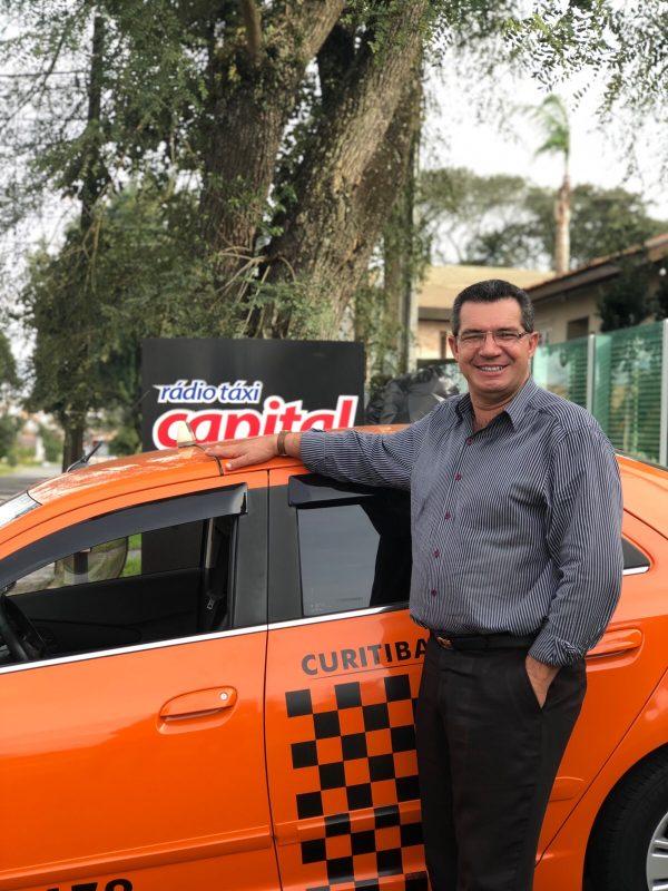 O taxista Marlei está rodando as ruas há mais de 10 mil dias.