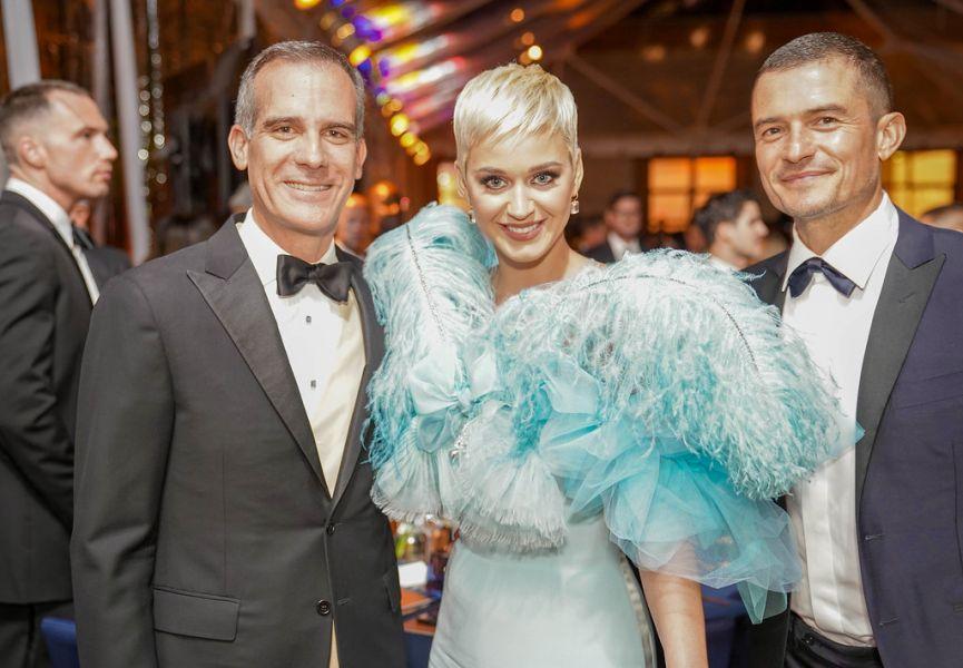 Mayor Garcetti, Katy Perry e Orlando Bloom no Gala de Los Angeles em 2018